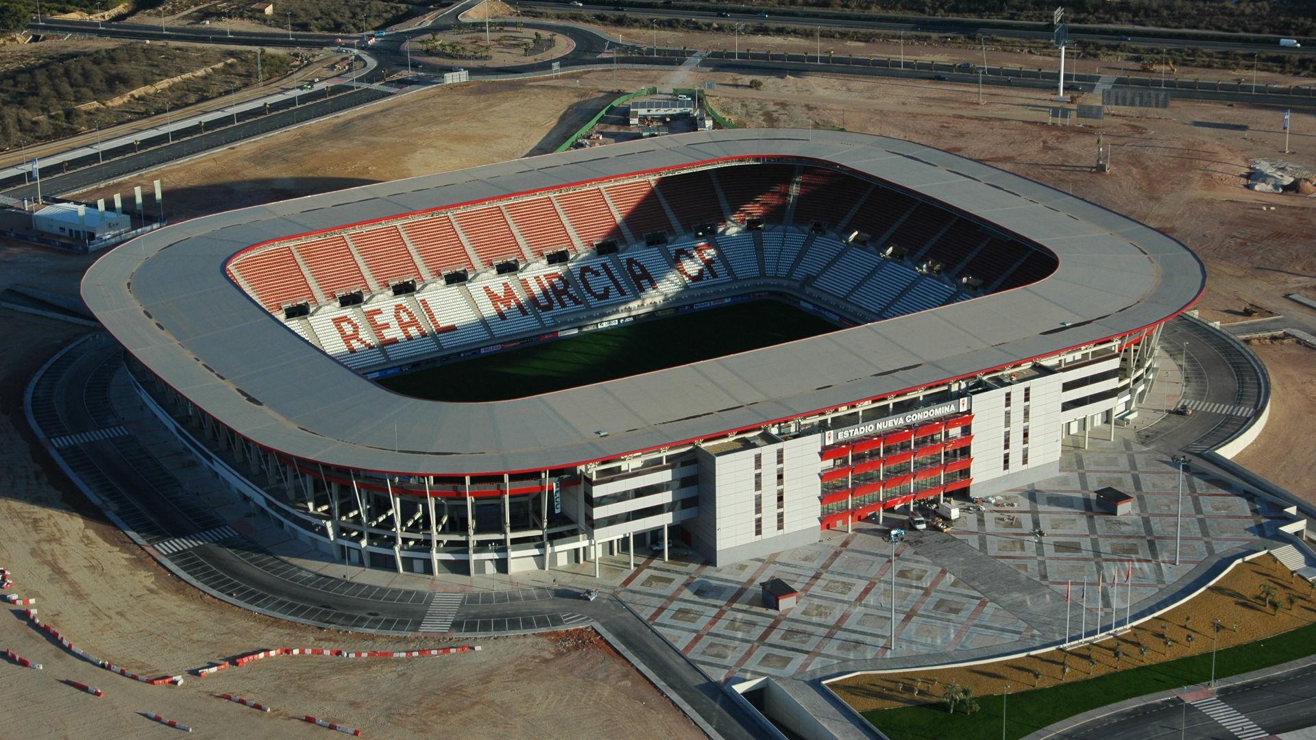 Real Murcia:un club histórico con un estadio que es sede recurrente de la selección española